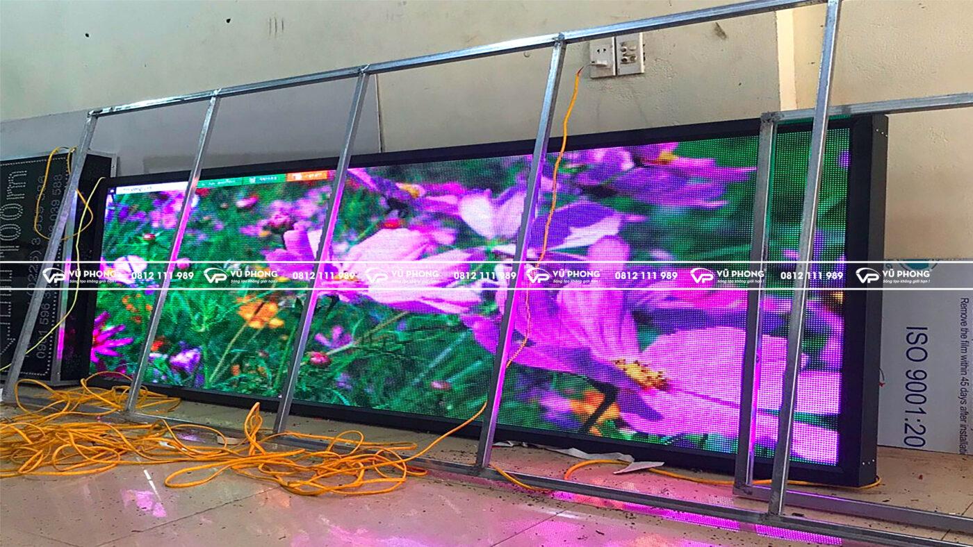 thi công màn hình led p5 full color